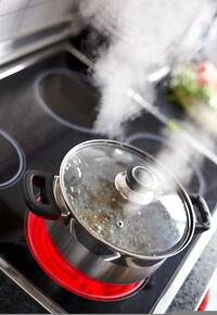 boiling_pot_-_iStock_000016304913_Small