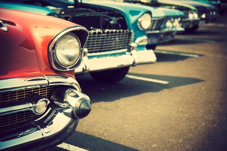 retro carsiStock-510786352.jpg